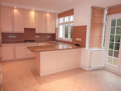 28 Audley Road W5 001