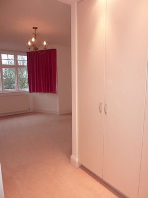 28 Audley Road W5 012