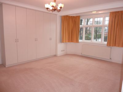28 Audley Road W5 015
