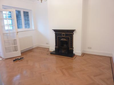 28 Audley Road W5 027